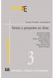 Tareas y proyectos en clase książka